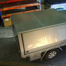 Toyota Hilux 4wd Canopy