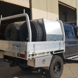 Toyota LandCruiser 79 Canopy, Underbody Toolboxes and WaterTank